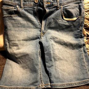Drenge shorts str. 176 - Meget fin stand.