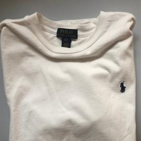 Jeg har købt blusen i en børnestørrelse L men bruger normalt selv damestørrelse S, og den  passer mig😊