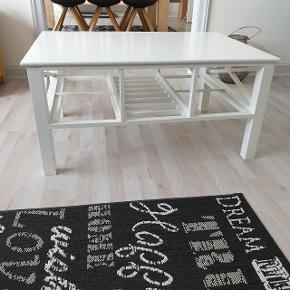Pænt bord sælges 68 b 48 h 100 L