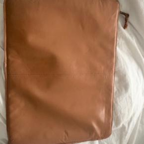 Muubs anden taske