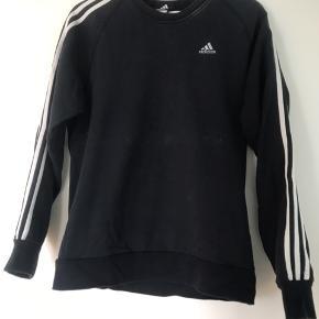 Original Adidas sweater.  Pris afspejler stand 🙂