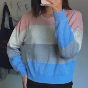 Farverig sweater, bud er velkommen, ellers skriv hvis du intra eller har spg💞💙