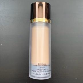 Tom Ford Traceless Perfecting Foundation i farven 1,5 Cream. Brugt en gang.  FAST PRIS: 220 kr.