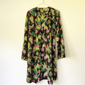 Pigalle Paris kimono