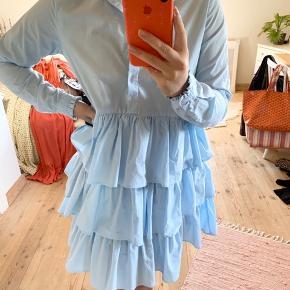 Kjole fra Envii. Den er aldrig brugt og fremstår derfor som ny. Np 500. Mp 250