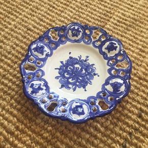 Smuk tallerken/skål til fx opbevaring af frugt eller andet.