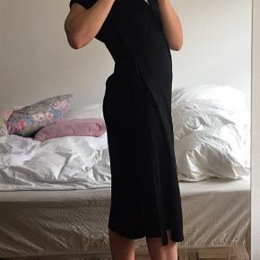 Fin slå om strik kjole fra Arket🌻