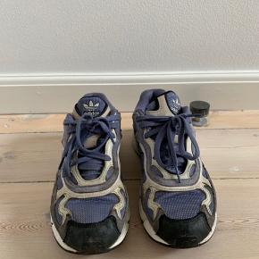 Temper run sko fra Adidas.  Kom gerne med bud.