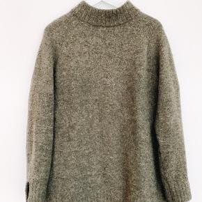 FWSS sweater