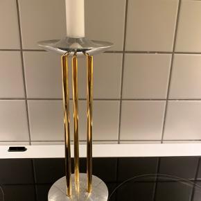 Royal copenhagen lysestage  Der er lidt pletter på metallet i bunden, men har ikke forsøgt at fjerne det