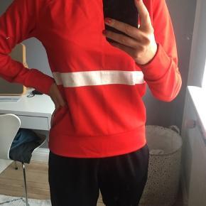 Sælger denne sweater fra Wood Wood. Brugt 2 gange, så i rigtig fin stand. Np 1000. Køber betaler selv fragt. BYD!!