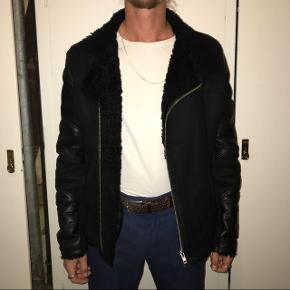 Martin Asbjørn bikerjakke læder, pels og rulam  Næsten ikke brugt