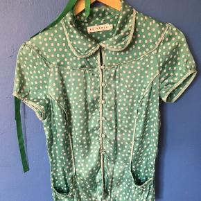Fin prikket skjorte fra by groth.