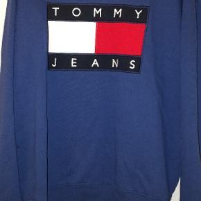Sweatshirt fra Tommy Jeans Dejlig oversize hvis du er en pige Lidt oversize hvis du er en dreng