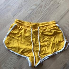 Riverdale look-alike shorts, brugt meget lidt. Fitter også større end xs