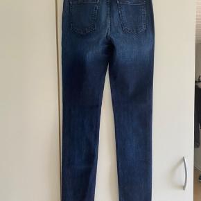 Stretchy jeans fra Closed. Model : Britney Str 26.