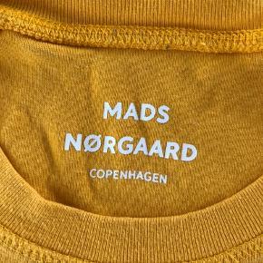 Mads Nørgaard sweat, striber langs armene.