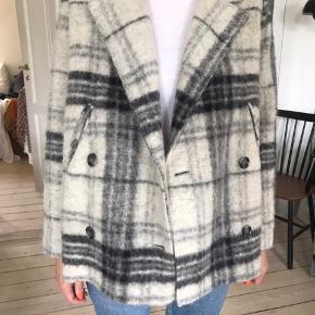 Sælger min Samsø Samsø jakke. Da jeg ikke bruger den mere. Den er i god stand.