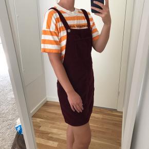 Sød kjole fra Topshop i fløjl   Str s   Fejler intet  Mp 100kr