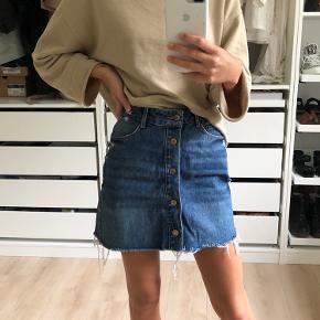 Denim nederdel fra zara, størrelse XS