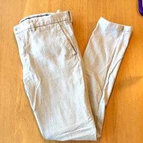 Til mænd. Suit bukser i lysegrå/sand fra Zara Man i str EUR 44.