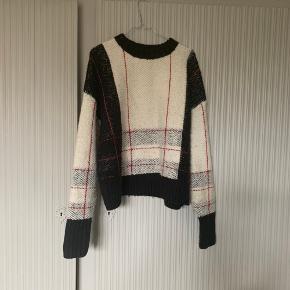 Lækker varm sweater fra &Other Stories - str. S. Brugt to gange.