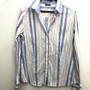 Super sød, let faconsyet skjorte. #secondchancesummer