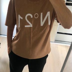 No 21 t-shirt