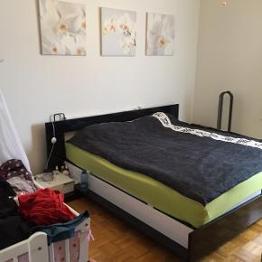 Famillien Bett ohne Matraze  und Lattenrost zum verkaufen , keine schäden , mus demontiert und abgehollt werden