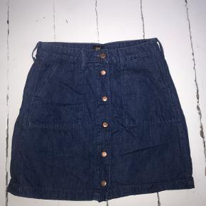 Lee nederdel