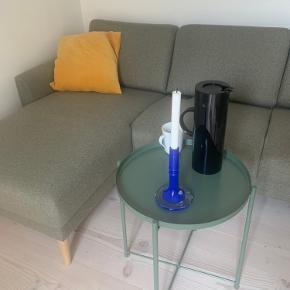 Fint side- eller sofabord i rigtig fin stand