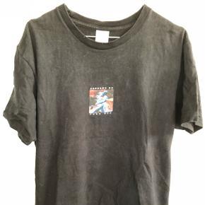 Sort supreme t-shirt Str:L Så god som nu næsten ikke brugt