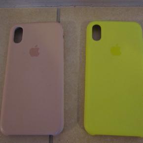 Sælger følgende genstand(e) for en veninde, da de ikke bliver brugt. Fra et ikke-rygerhjem uden husdyr.  To iPhone X silikone covers. Giver et godt greb om og beskyttelse til din smartphone. Din mobil får også et friskt look. Enkelte brugsmærker  1 x Pink iPhone X silikone cover - brugsmærker ved volumenkontrol-knapperne. Pris: 75 kr.  1 x gul iPhone X silikone cover - SOLGT!   BETALING: Modtager enten kontanter, mobilepay eller bankoverførsel.  AFHENTNING/FORSENDELSE: Kan afhentes på Drosselvej, 2000 Frederiksberg mellem 19-21 alle hverdage. Derudover evt. også i weekenden efter aftale.