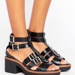 Helt nye sandaler med hæl, str. 40☀️ Byd endelig!