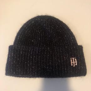 Tommy Hilfiger hat & hue
