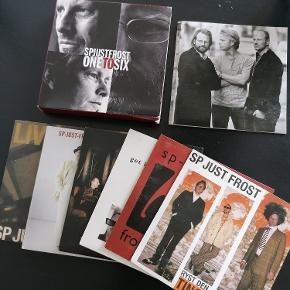 6 stk. SP Just Frost CD'er. ' One to Six'. Samlet i box med sanghæfte.  Se billeder for detaljer. Jazz/Blues genre.  Hørt 1 gang. Ingen ridser.  Sælges kun samles. Angivet pris er for alle 6 CD'er. Kan afhentes i Esbjerg eller sendes. Angivet pris er excl. fragt.
