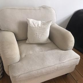 Super flot ILVA stol.  Skal bare hurtigt af med stolen grundet flytning :) den har en lille plet, men ikke noget der ikke kan fjernes.