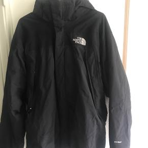 d1366036f8f North face herre helårs jakke jakke sælges str M indertrøjen i jakken kan  lynes af så
