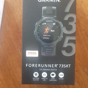 Garmin 735xt.Er helt ny og stadig i  emballage. Tri-ur med svømme,løbe og cykelfunktion. Pulsmåler i hånden.