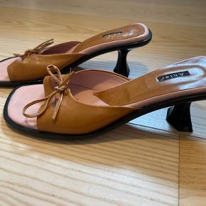 Ahler sandaler