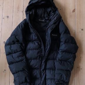 Marmot down jacket. Excellent condition. Original price 2800 DKK