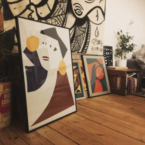 KUN 50x70 tilbage ;)   Hej :) køb et print og støt en lokal kunstner :) Jeg laver digital collage ud af abstrakte former, skitser og tejninger.  Har flere designs  på min side og kommer selv ud med dem I København eller sender dem med DAO.   • 50x70cm 250kr. / 600 med ramme (mørk træ og glas)      Instagram @sin_ _sol