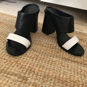 Adolfo Dominguez heels