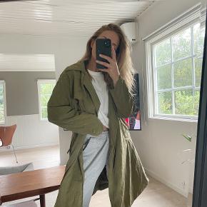 Lily White frakke