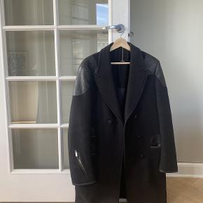 Yves Saint Laurent frakke