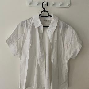 KIOMI skjorte