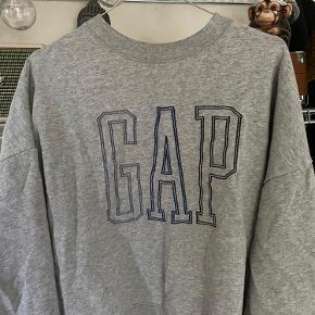 GAP sweatshirt købt på zalando str. m  OBS. Den er kort i længden