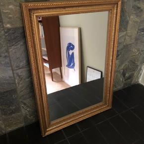 """Spejl med """"guld""""-ramme ✨ Mål: 40 x 60 💡"""