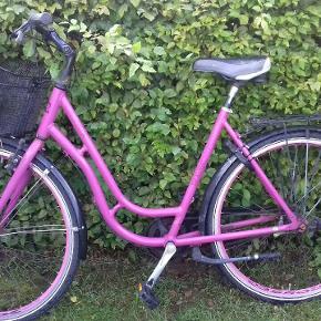 Pige cykel 19  Skal hentes i sengeløse