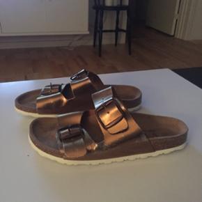 VRS sandal str 38, ikke brugt ret meget. Pris 50 kr pp med dao😊